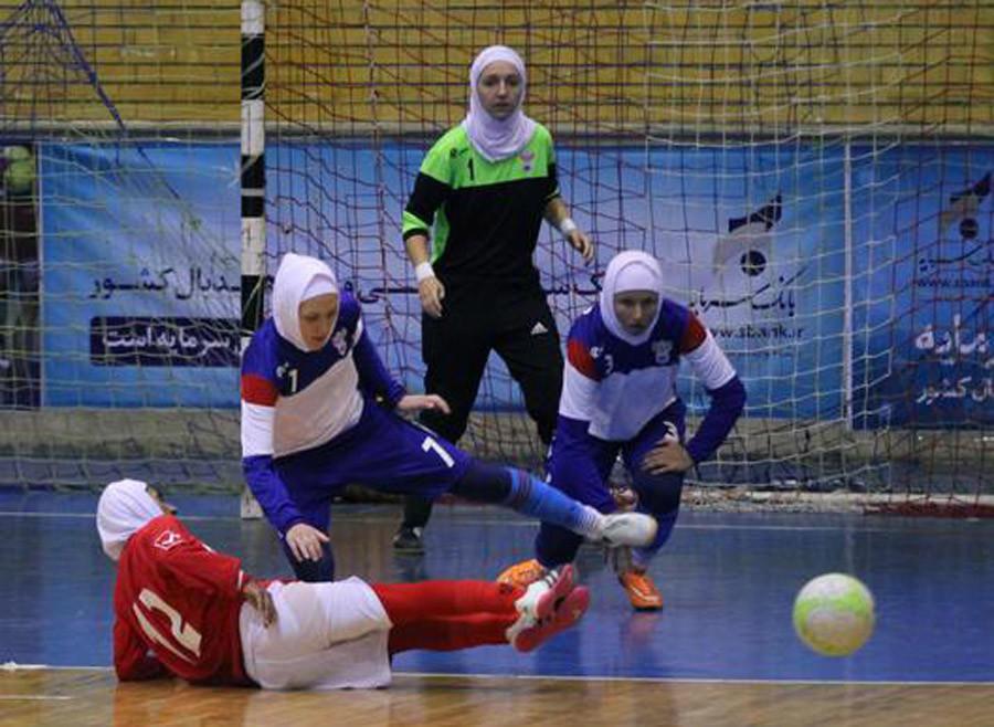 VOILE ISLAMIQUE. L'équipe féminine de futsal russe en tenue islamique